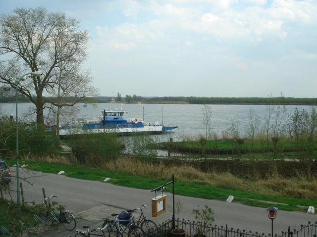 Veerpont De Biesbosch bij Dordrecht