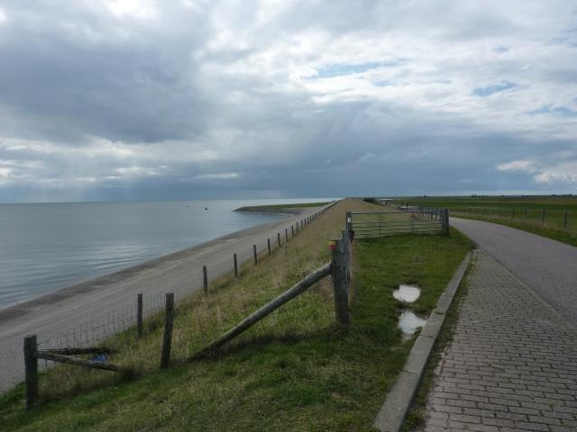 Fietspad langs Waddenzee, nabij het plaatsje Oost, Texel