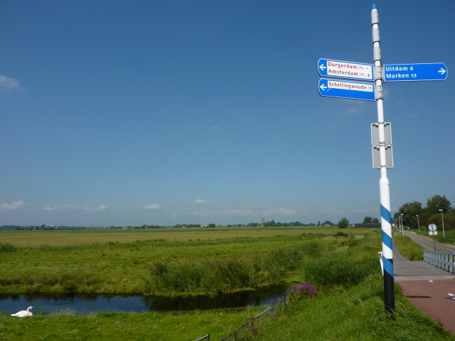 Zicht op Ransdorp vanaf kruispunt Durgerdam